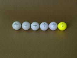 golfball vergleich sichtbarkeit farben normale sicht rot-gruen-schwaeche simulation