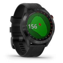 Garmin Approach S40 Premium Schwarz mit schwarzem Armband Fahne im Visier