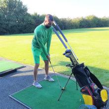HMC Flex Sticks Kopfbewegungskontrolle beim Golfschwung in Aktion Robin Horvath